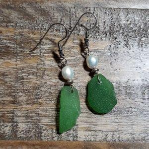 Jewelry - Green Sea glass and pearl silver earrings.
